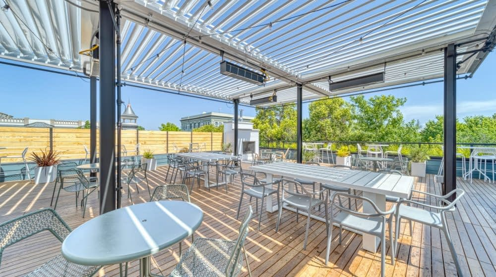 Stoble Workplace - Patio Middle